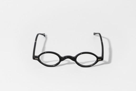 Occhiale da vista in celluloide nera Epos. Misure 36□30 asta 145