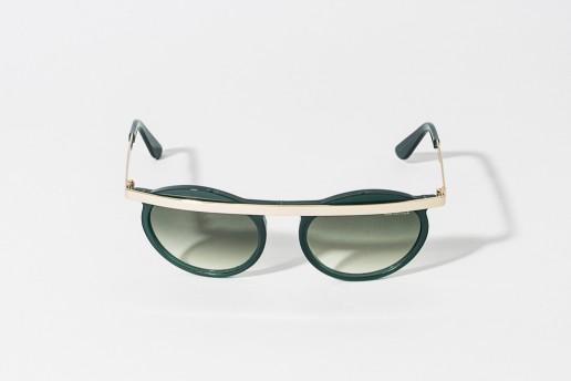 Occhiale da sole Bob Sdrunk in celluloide colore verde , asta in metallo color oro con terminali verdi . Lente verde sfumata, protezione 100% dai raggi UV . Misure 41 – 19 asta 140