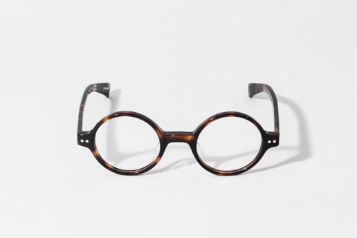 Occhiale totally round in celluloide Epos colore tartaruga codice TN. Misure 43□24 140